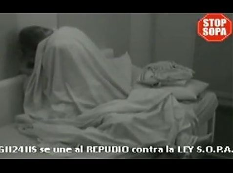 Victoria y Ezequiel Sex on the couch Round 3 Gran Hermano A