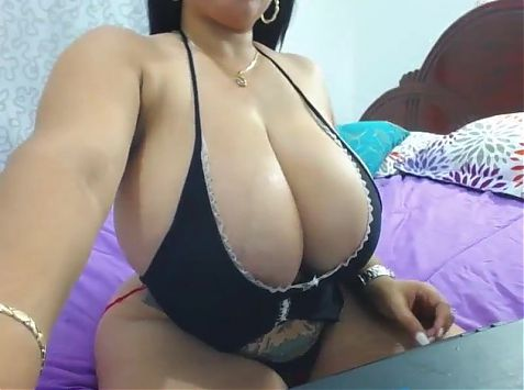 Goddess of Beauty takes her clothes off